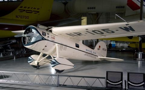 Wiley Post: The First Pilot to Fly Around the World Alone