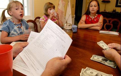How an Allowance Helps Children Learn About Money