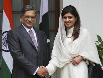 Pakistan, India Signal 'New Era' of Cooperation