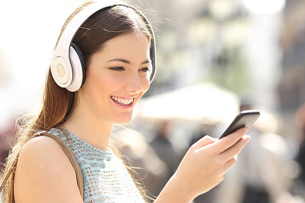 1. Học tiếng anh cơ bản thật dễ qua kỹ năng nghe
