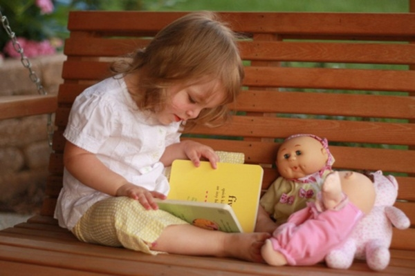 1. Cách dạy con học tiếng anh tại nhà bằng cách tạo môi trường tiếng anh tại nhà gần gũi