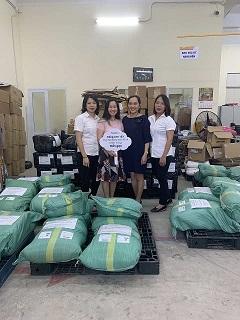 Tiếng Anh 123 ủng hộ đồng bào miền Trung 1 tấn gạo