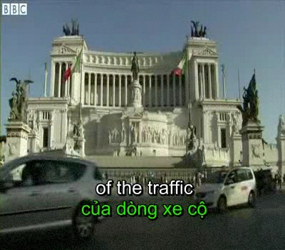 Cars v Colosseum: Rome mayor bans traffic from key sights